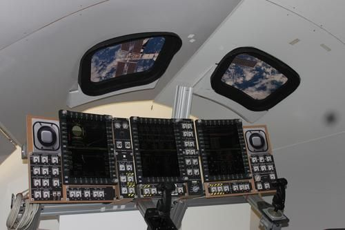 Orion's cockpit will use six screens - two in each of the large displays. Each screen is about the size of a sheet of looseleaf paper. (Source: EDN/Loretta Taranovich)