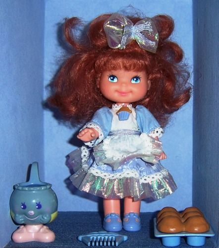 Cherry Merry Muffin Betty Berry Doll 1988 - had this one, it was the blueberry one so she spelled like blueberries