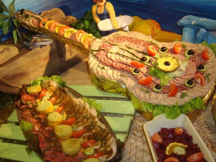 Themed presentation for a cold buffet spread a guitar for Decoration annee 80
