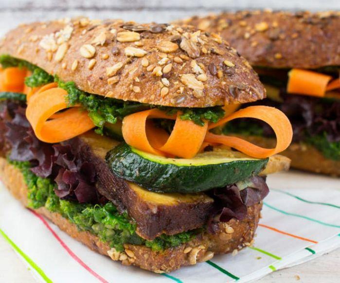 Θεματική Εβδομάδα Πικ Νικ για Vegan: Σάντουιτς με τόφου και πέστο από κέιλ