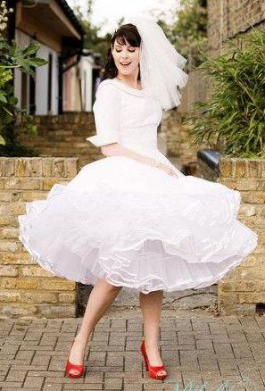 Pushing Daisies - Whimsical Wedding Inspiration in Primary Colors heyweddinglady.com