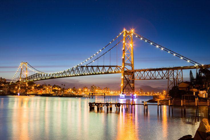 Considerada como um símbolo de Santa Catarina, a ponte Hercílio Luz, foi notícia diversas vezes,...