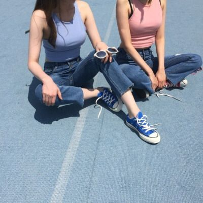 nothin better than jeans and converse   ban.do