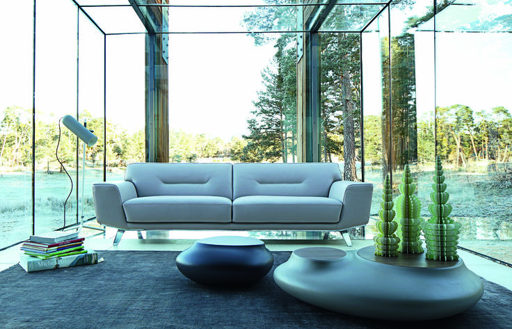 roche bobois perle leather sofa by sacha lakic. Black Bedroom Furniture Sets. Home Design Ideas