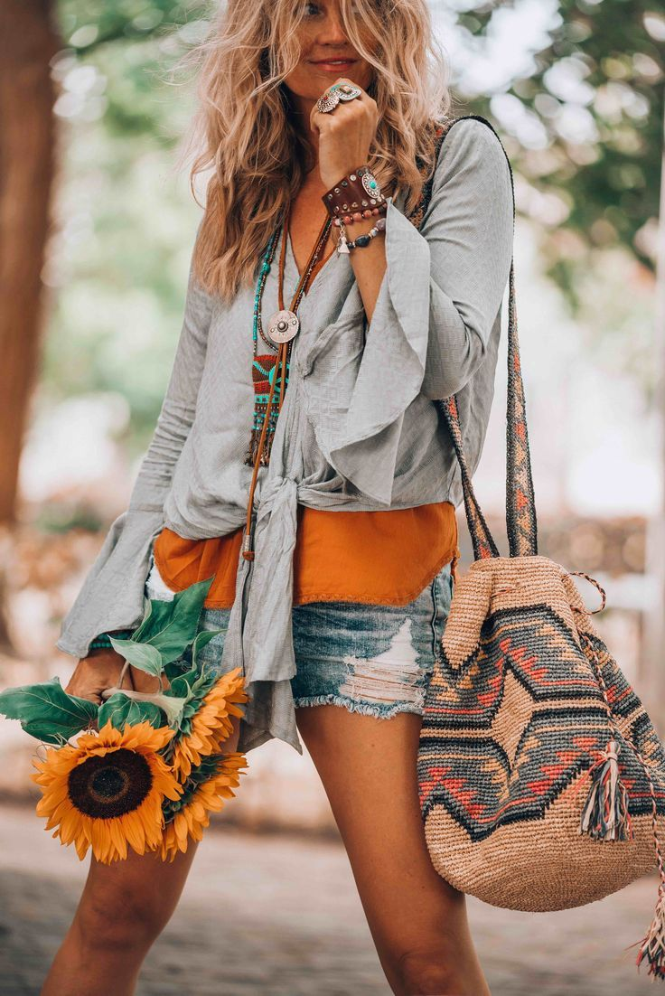 a0f106fa02 A hot summer day and that perfect casual bohemian look you need to ...