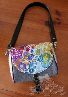 Sweet Pea Saddle Bag ~ free PDF Sewing Pattern