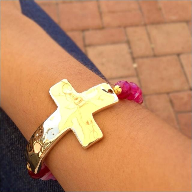 how to make a cross threaded bracelet