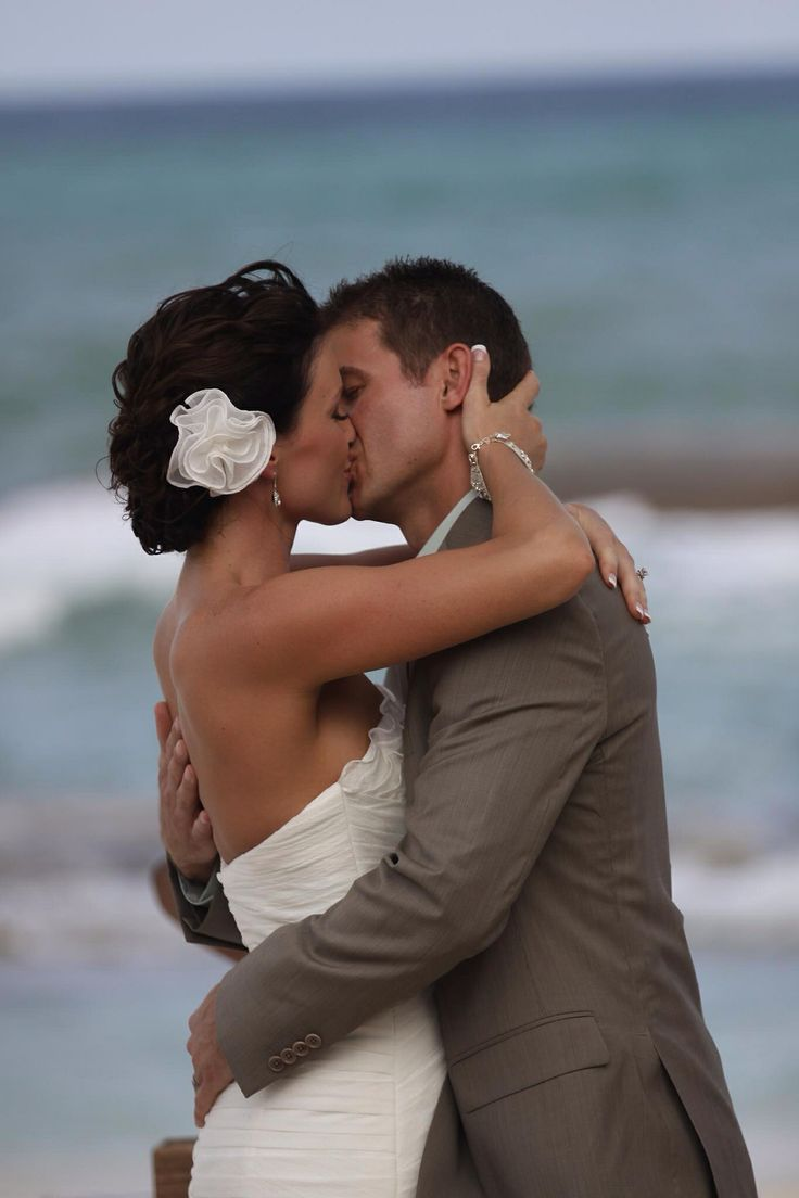 Dream wedding, wedding kiss