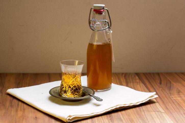 Rezept für Chiasirup selbst gemacht - schnelle Herstellung der beliebten indischen Gewürzmischung für Tees & co. und dazu ein hübsches Geschenk aus der Küche - homemade eben.