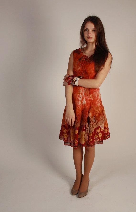 Roten Filz-Kleid  gemusterte Blumen Kleid  zwei von hedgiefelt
