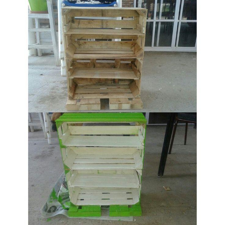 Organizador de zapatos con cajones de madera hogar for Closet de madera para zapatos