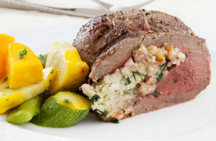 Beef fillet with spinach, pesto and rice stuffing 8 servings (±200 g raw meat / serving)  http://tastic-redpot.co.za/feature-recipes/13-beef-fillet-with-spinach-pesto-and-rice-stuffing.html