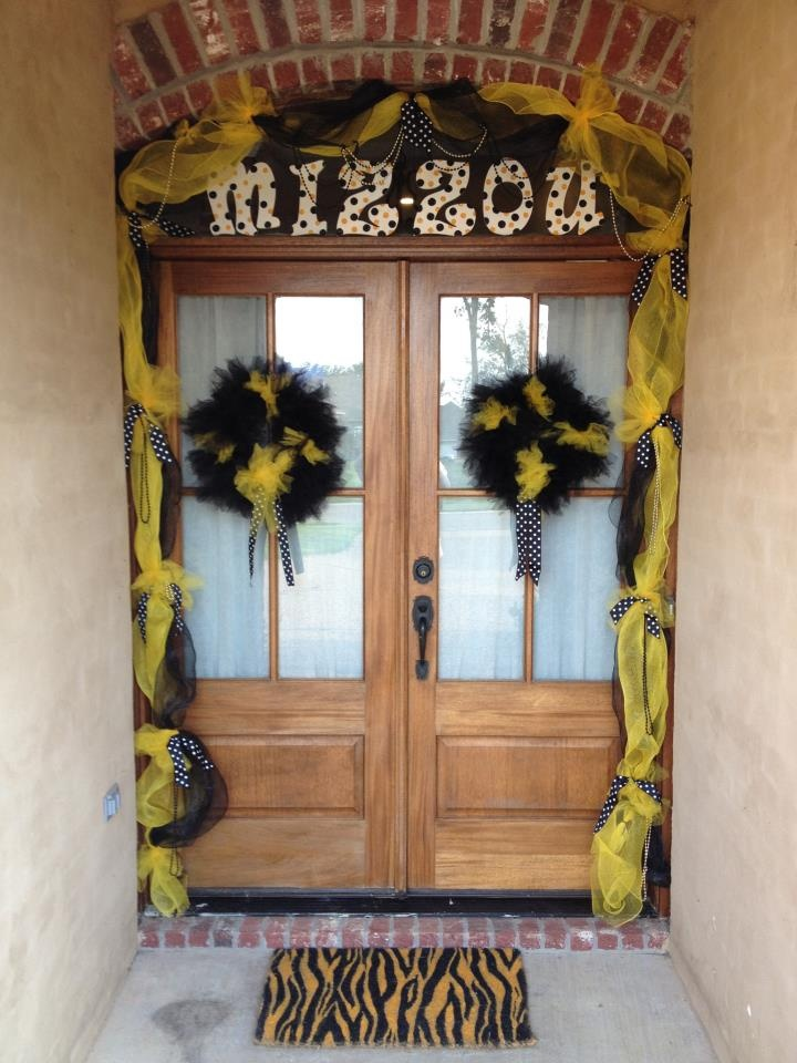 MIZZOU FansMississippi Style This Is My Front Door Decorated For Football