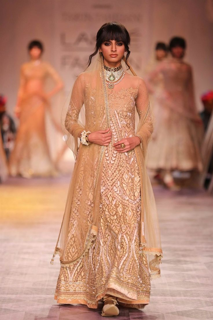 Tarun Tahiliani at LFW SR 2014 (5)