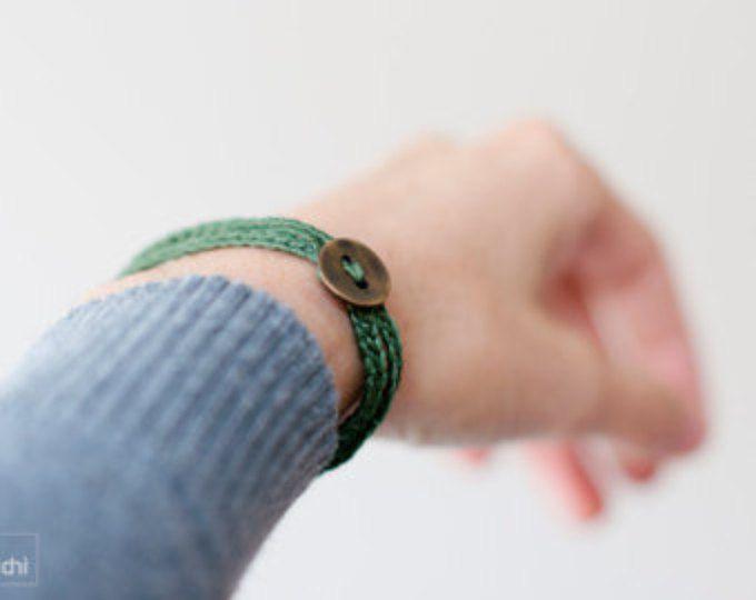 Bracciale spirale Crochet. Gioielli tessili · scuro verde · Semplice, bello e leggero. Braccialetto di amicizia. Stile bohemien