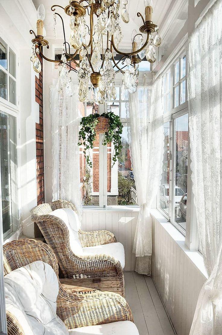 Elegant Shabby Sunroom With Chandelier For For Lazy Afternoons #PSTML #HomeDecor #LovelyLivingRooms