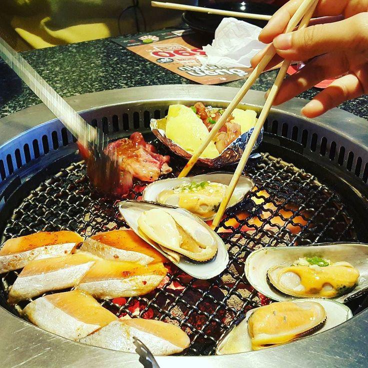 Sunday dinner #bangkok #thailand #megabangna #aka #seafood #shabushabu #meat #omnomnom #foodie #foodgasm #food #instafood #еда #инстаеда #бангкок #таиланд #мегабангна #ака