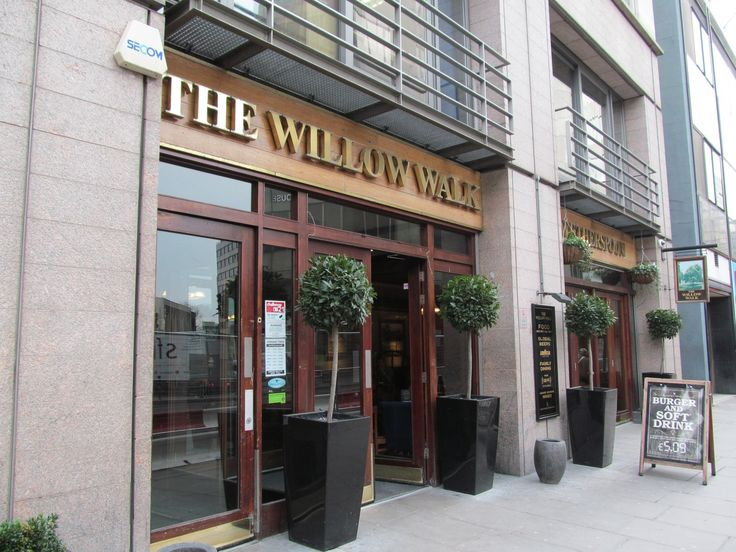 The Willow Walk (Wetherspoon) in Victoria, Greater London