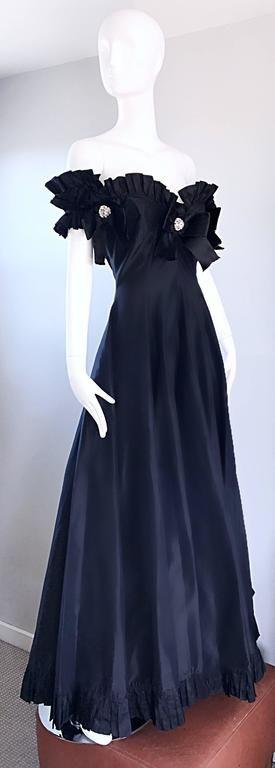 Vintage Oscar de la Renta Black Silk Taffeta Off - Shoulder Evening Gown Size 6 6