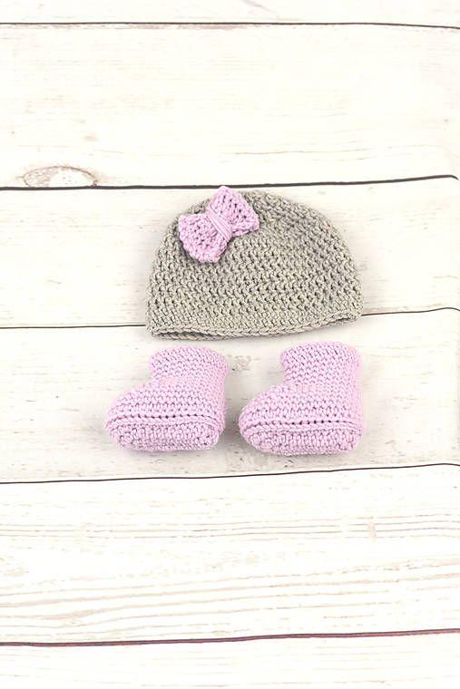 ccae62a643435 Súprava pre novorodenca je ručne háčkovaná z prírodného materiálu - z  kvalitnej nórskej extra jemnej béžovej