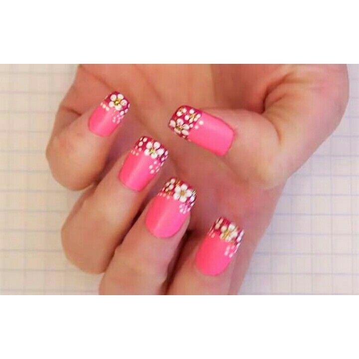 Aprenda a fazer #unhas #decoradas com #flores nesse vídeo tutorial, passo a passo, de forma fácil e rápida    Visite o nosso site: http://bit.ly/1sTdZ7h    Curta a nossa página no Facebook: http://on.fb.me/1otglf5    #manicure #pedicure #estética #beleza #nails #decorated #flowers