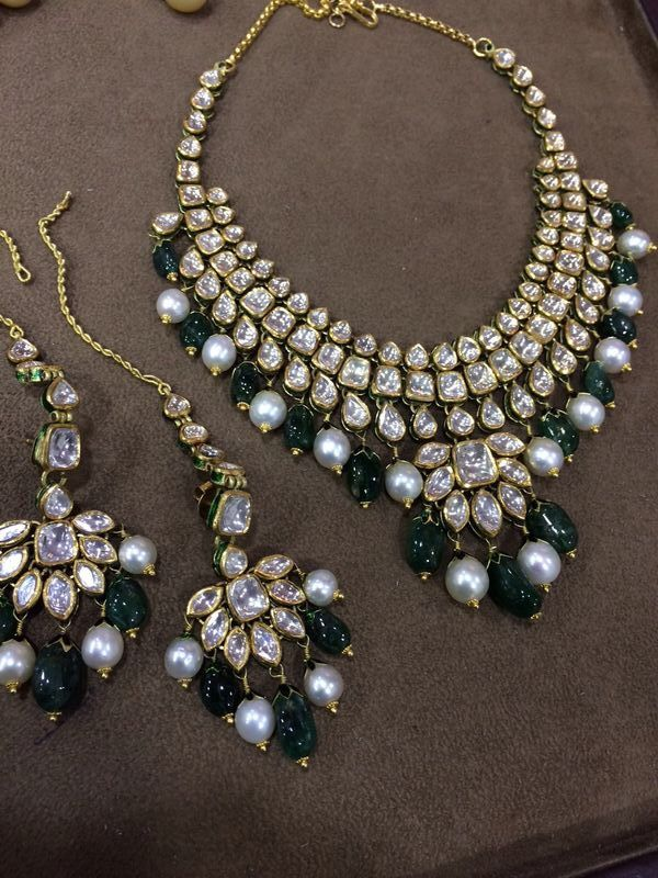 Polki and Emerald necklace with earrings