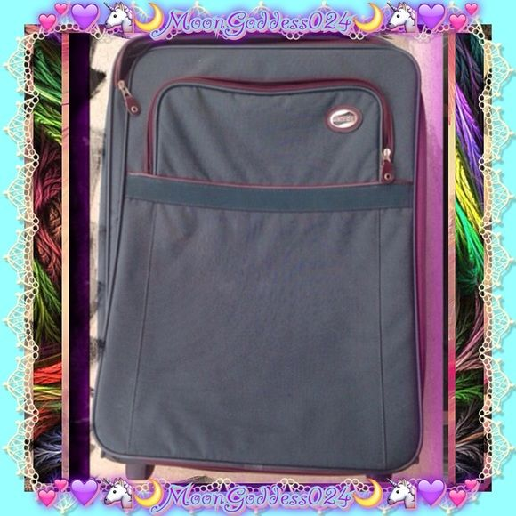 💙American Tourister Extra Large Rolling Suitcase 💙American Tourister Extra Large New Suitcase! Roller/ Rolling Suitcase💙  ~*🌹Observe photos for best view of condition.😊✌🌹*~     💕💚APPROXIMATE SIZE:: L=19 w=11 h=26 💚💕  💜🌸Like NEW!! Vintage? Style¿ Simply dusty, Just needs a damp cloth taken to it from it being kept away for a little while...🌸💜  🌸💙Was Asking $85 OBO NOW $70 OBO ~ don't be shy to make a cash or trade offer ☺✌ 💙🌸  ~*I also have lots of other travel items if…