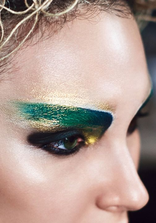 Click for a COVERGIRL Quick Tip to get the Hunger Games District 7 Look!