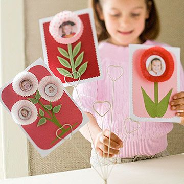 use cardstock and muffin liners to make cute cards