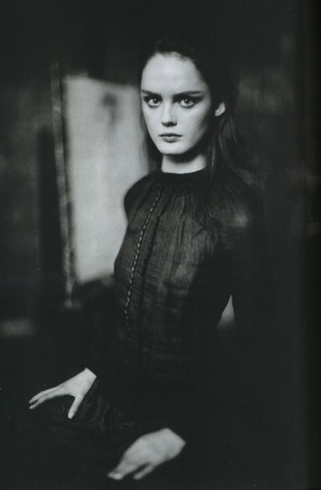 Les Memoirs. Lisa Cant by Paolo Roversi for Vogue Italia February 2006