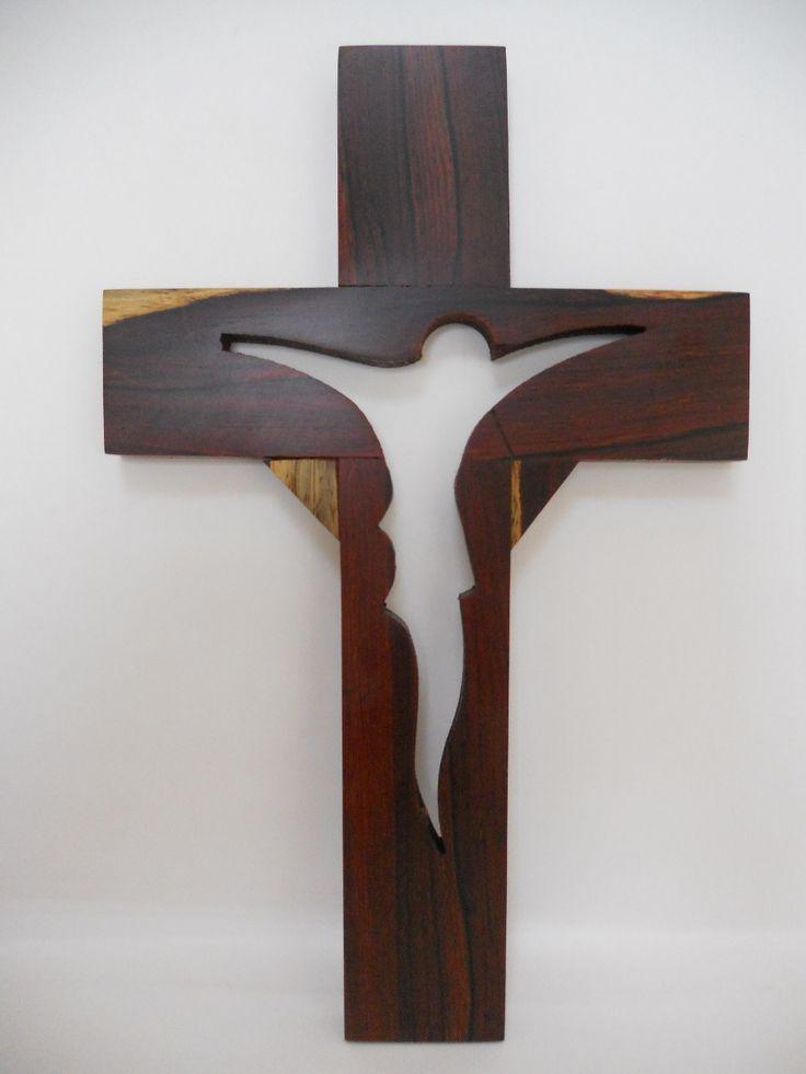 Las 25 mejores ideas sobre cruces de madera en pinterest - Revestir pared con madera ...