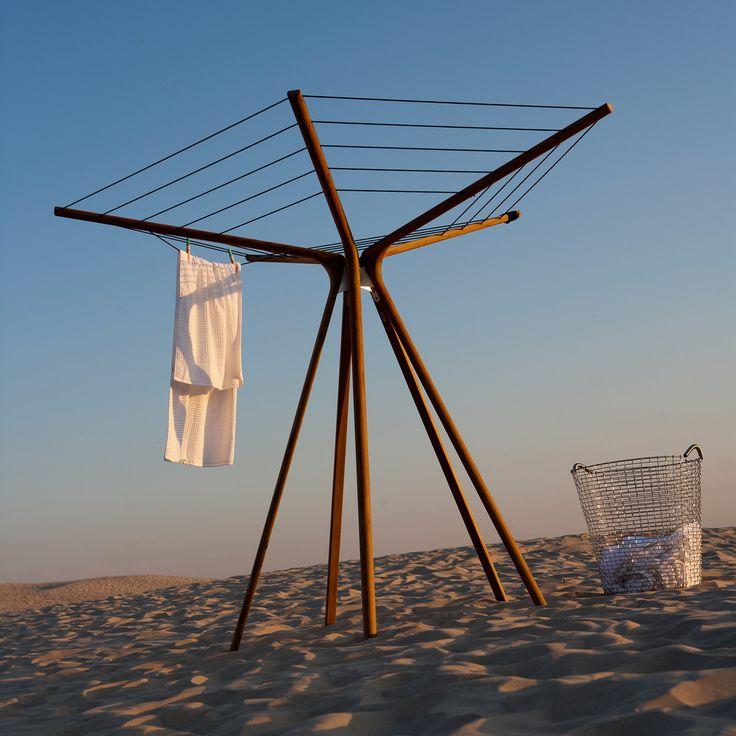 Funktionales Design - Der Wäscheständer von Skagerak kann als dekoratives Element der Gartengestaltung genutzt werden.