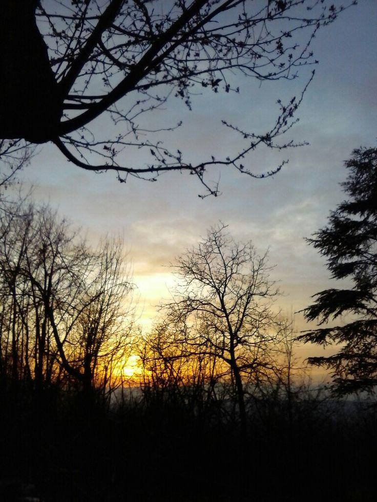 tramonto in Langa.            Montelupo Albese