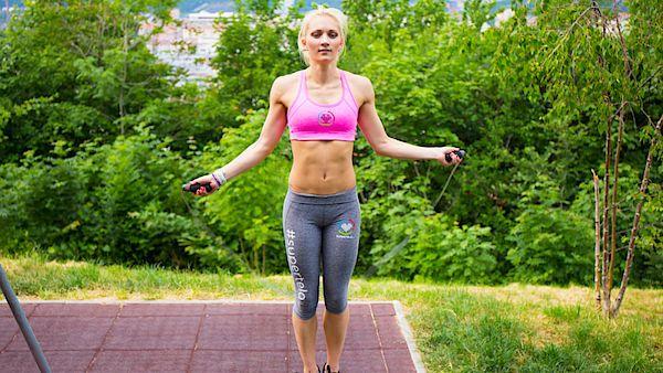Vyzkoušejte intervalový trénink pro redukci podkožního tuku.