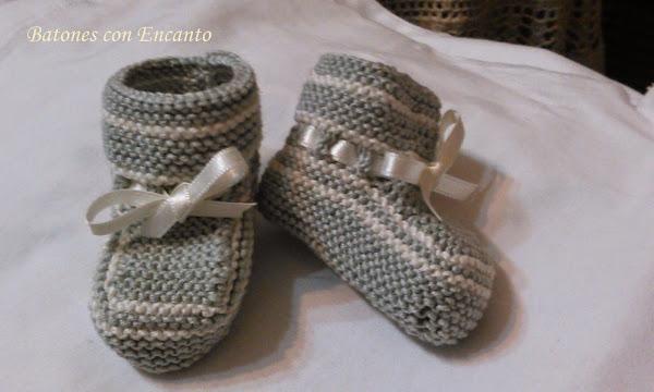 Patucos de bebés tejidos a dos agujas. TUTORIAL. | Padres