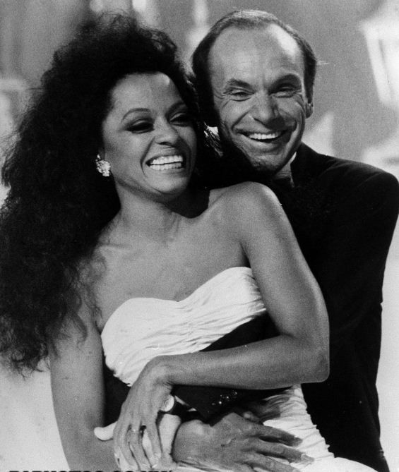 Diana Ross (Diana Ernestine Earle Ross -born March 26, 1944) and Arne Næss Jr. (born Arne Rudolf Ludvig Raab, 8 December 1937 – 13 January 2004). Diana Ross and Arne Næss get married in 1985. He was a wealthy Norwegian shipping businessman and mountaineer. They had two sons and divorced in 2000. He died in 2004 in a climbing accident.