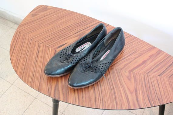 Vintage Womens 9 Narrow Connie Black Lace Up Oxfords Pointy