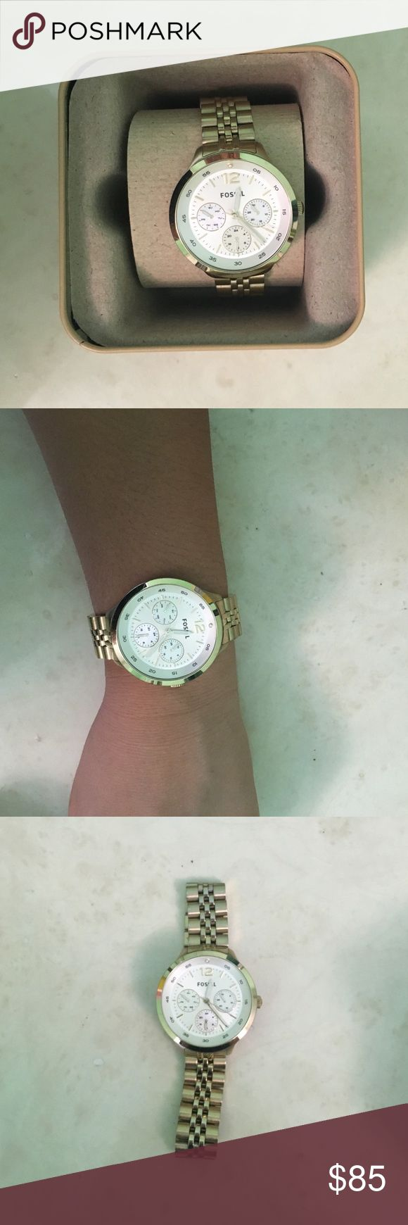 Fossil Women Watch in Gold Pre-owned in excellent condition. Used only a few times. Watch batteries need to be replaced. Authentic Fossil watch. Fossil Accessories Watches http://www.thesterlingsilver.com/product/citizen-watch-jolie-womens-quartz-watch-wi