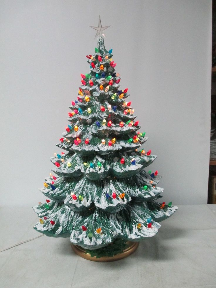 "26"" Vintage Ceramic Christmas Tree Holland Mold w Lights Snow Glitter 