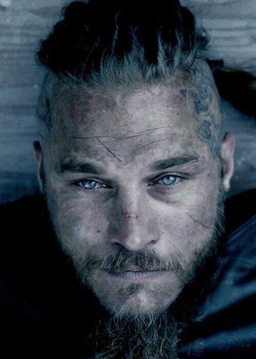 Travis Fimmel screen cap from Vikings S2   Babe ...  Travis Fimmel s...