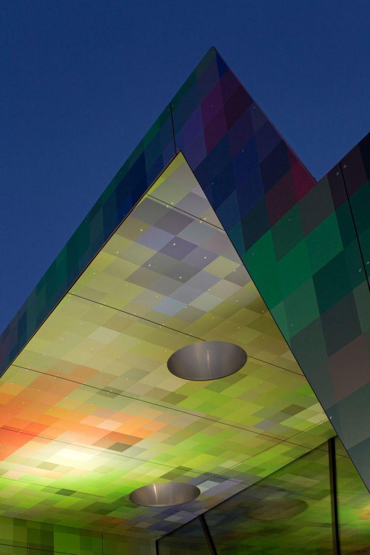 Schule bei Wolfsburg fertig / Pixelpenne - Architektur und Architekten