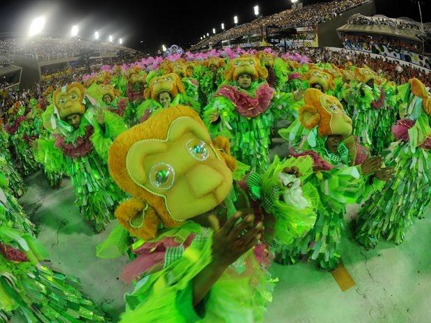 Carnaval 2012 - Outra ala do desfile  da Mangueira no Sambódromo do Rio de Janeiro.