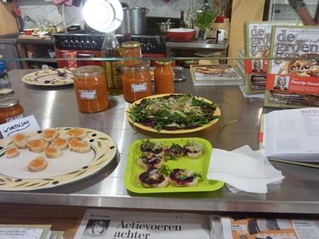 21 april 2012: Hapjes uit het kookboek 'De Groene Garde': Hapjes Uit, Hapj Uit