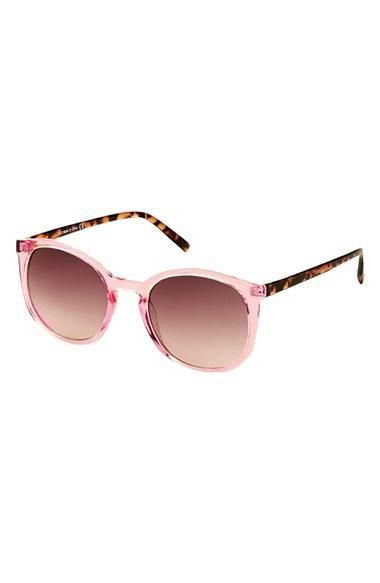 Pretty in pink | Sunglasses by Topshop