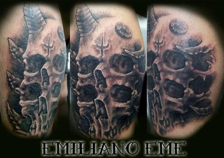 emiliano EME la nueva incorporacion al staff de Time Tattoo ! interesados en tatuarse con el ; pasar por el local o escribir a su face! muchas gracias por cofiar en nosotros!