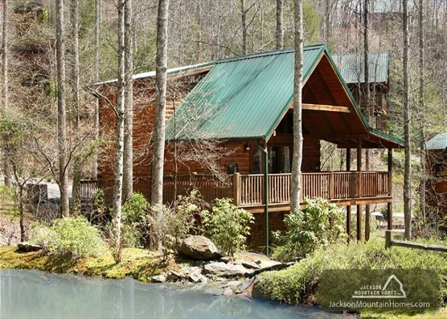 SOUTHERN SERENITY Black Bear Falls 1 bedroom Log Cabin