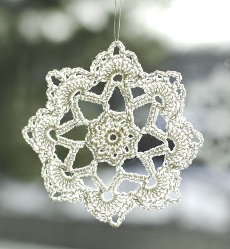 Crochet Snowflake : Top 10 Free Patterns for Crocheted Snowflakes