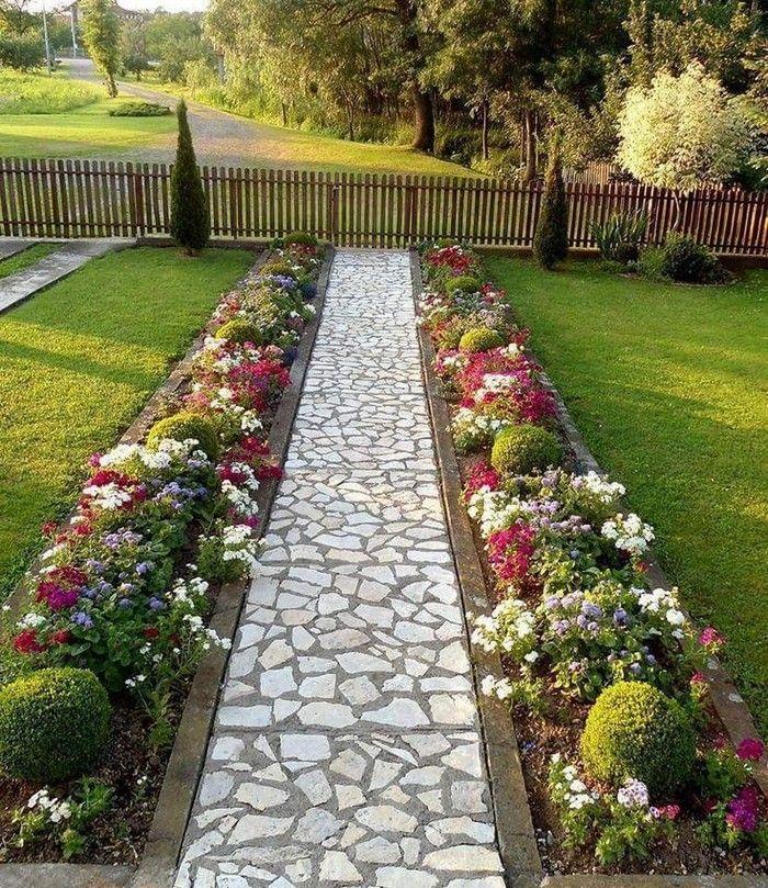 основная задача красивые цветники вдоль дорожки фото цветение, яркие