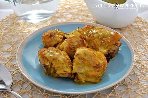 POLLO ALLO ZAFFERANO  Il pollo allo zafferano è un succulento secondo piatto molto semplice da preparare ma veramente gustoso. Il pollo si cuoce in una deliziosa salsina allo zafferano diventando tenero e saporito. E' perfetto anche accompagnato da una porzione di riso basmati. Continua a leggere: http://www.lacucinaimperfetta.com/2015/10/pollo-allo-zafferano.html  #lacucinaimperfetta #ricette #recipes #pollo #zafferano