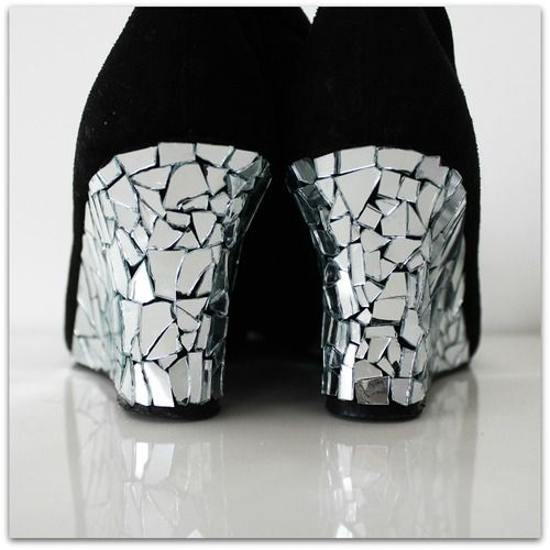 Cut mirror pieces on Heels DIY